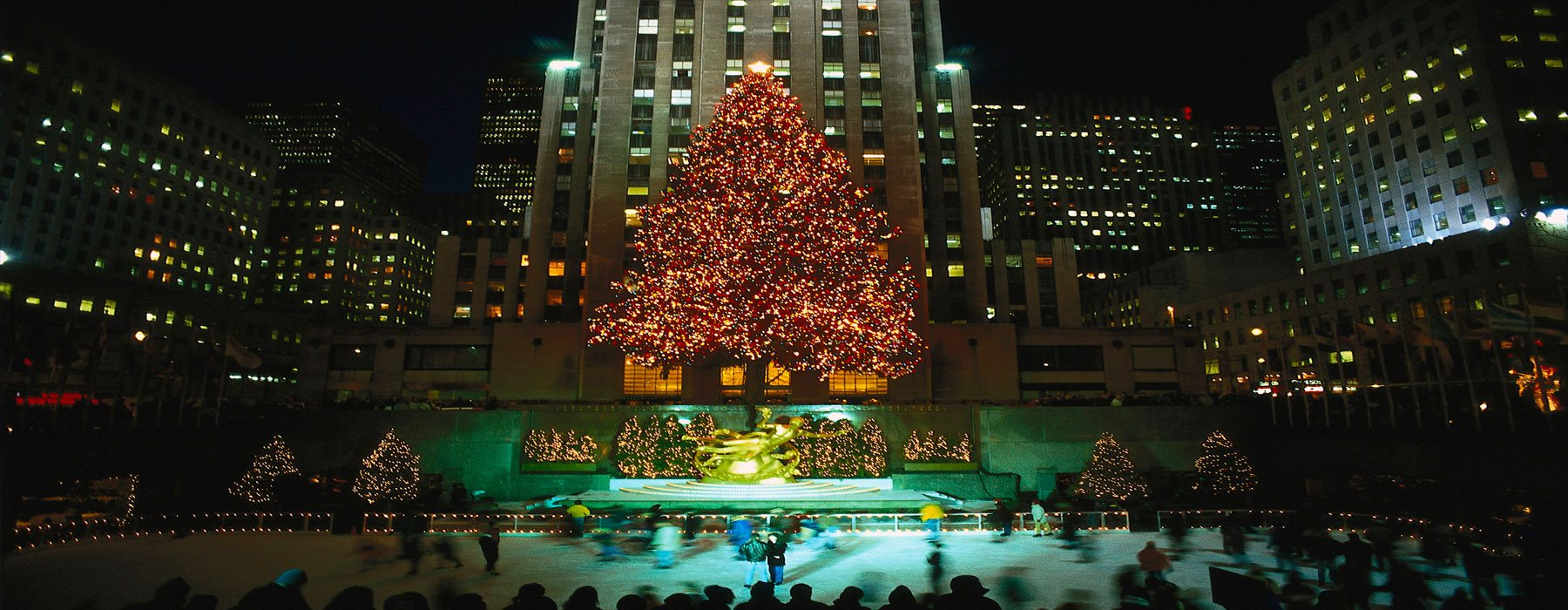 New York City is abuzz year-round, meaning the best time to go on a New York City vacation is up to you. If weather is a factor, winters are cold – but it's the best time to see the famous Christmas tree lighting and ice skate in Rockefeller Center.